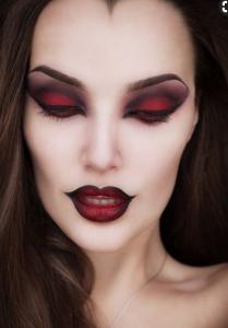 Ведьма на хеллоуин